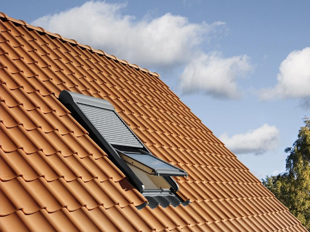 Finestre per tetti e accessori velux a trieste cvm s r l for Tapparelle per velux