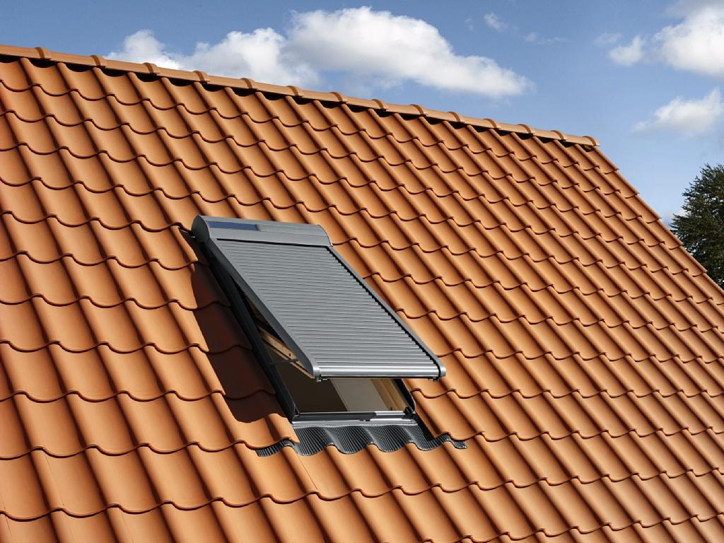 Finestre per tetti e accessori velux a trieste cvm s r l for Persiane velux