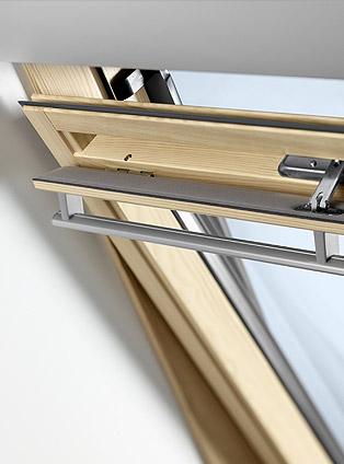 Finestre per tetti e accessori velux a trieste cvm s r l for Ricambi per finestre velux